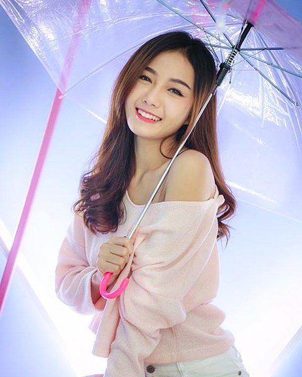 Namkhing Kanyapak: Nữ y tá xinh đẹp nhất Thái Lan gây sốt mạng xã hội (7)