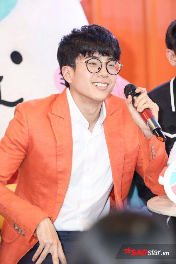 Nonkul điển trai bên soái ca Isaac, fan Việt lại được dịp bỏng mắt (2)