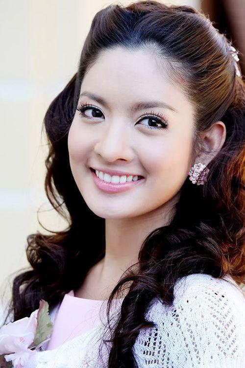 Aff Taksaorn: Top 10 sao Thái khiến giới mày râu rung động nhất châu Á (1)