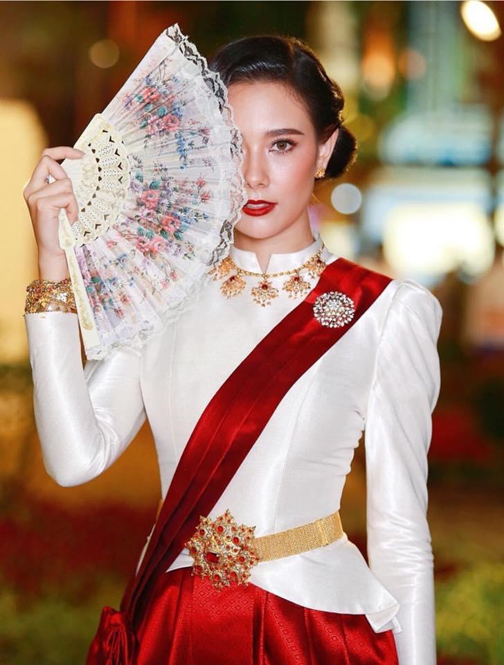 Ngắm dàn trai xinh gái đẹp Thái Lan trong trang phục truyền thống (18)
