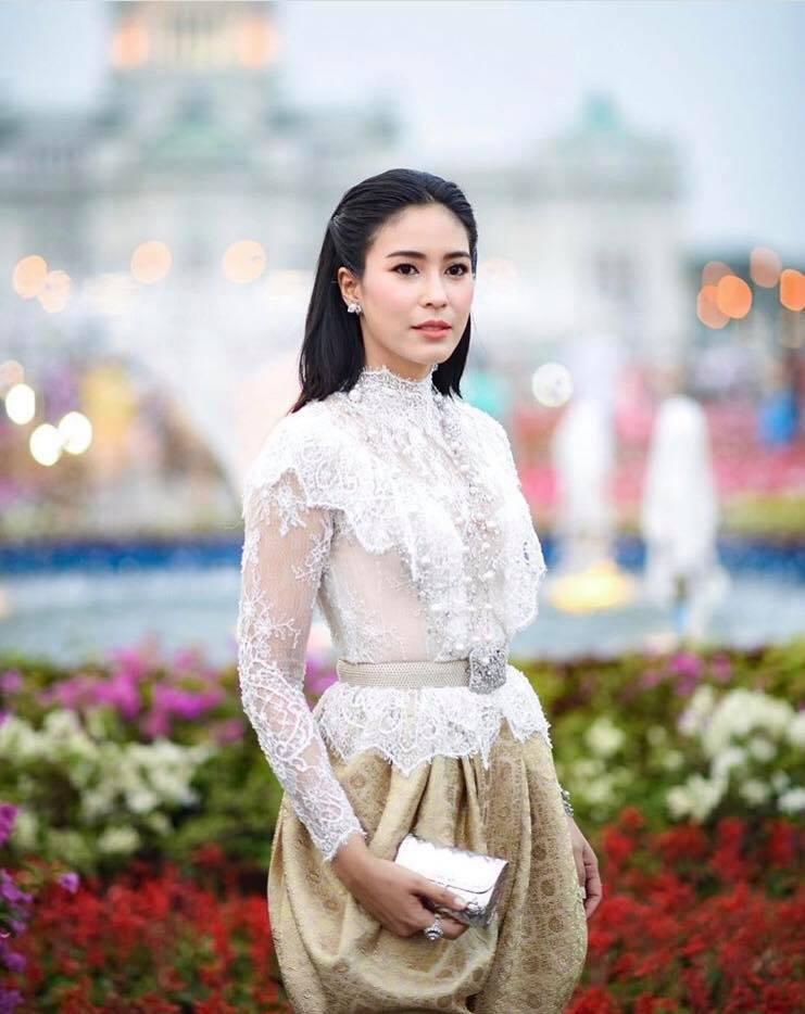 Ngắm dàn trai xinh gái đẹp Thái Lan trong trang phục truyền thống (8)