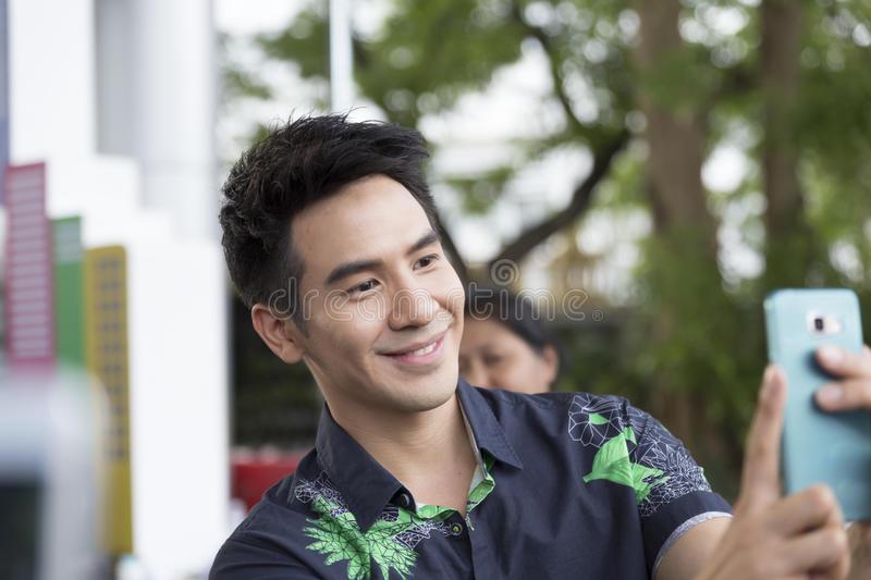 Những điều ít người biết về chàng diễn viên Pope Thanawat Wattanaputi(1)