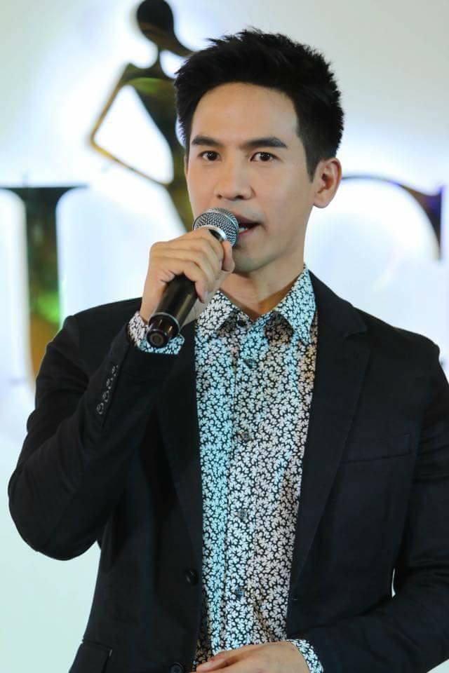 Những điều ít người biết về chàng diễn viên Pope Thanawat Wattanaputi(4)