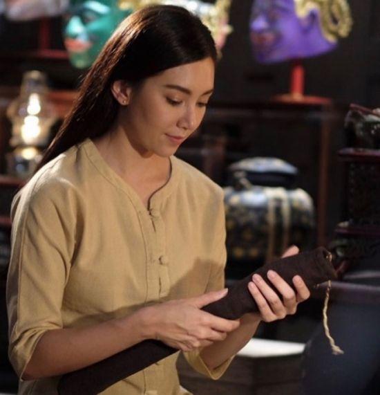 Bella Ranee hiền dịu bên Great Warintorn trong Pee Kaew Nang Hong 2018 (3)