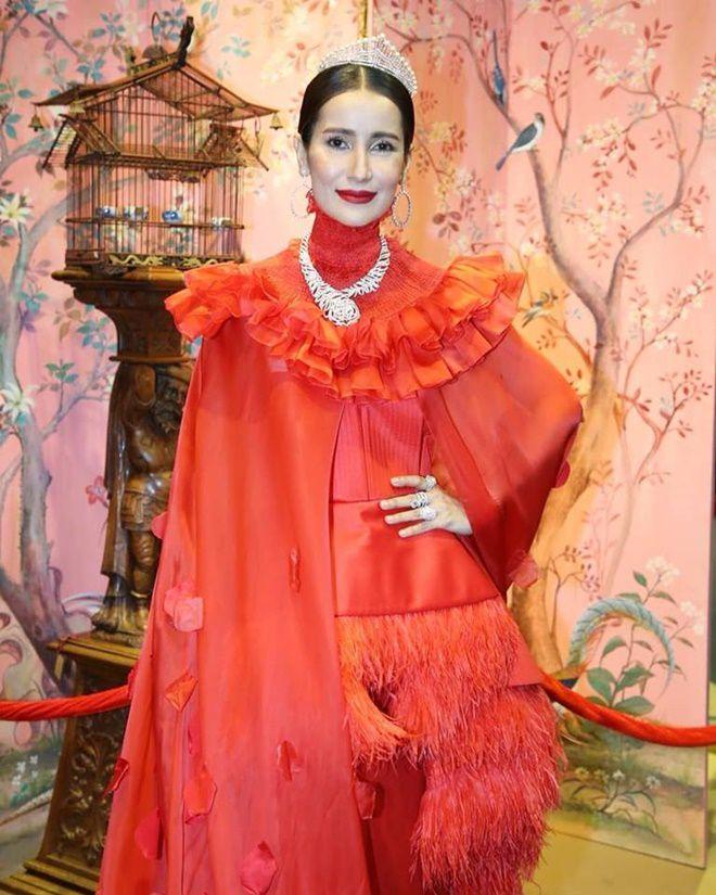 Anne Thongprasom lấn át Mario Maurer & Mint Chalida trong sự kiện mới (13)