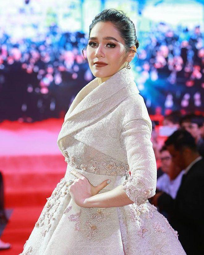Mỹ nhân Thái nào sẽ cùng Chompoo Araya tham dự LHP Cannes 2018? (1)