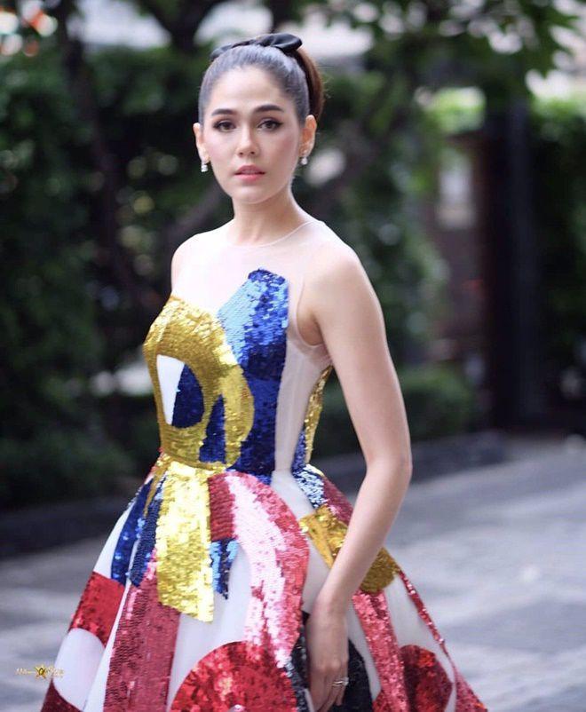 Mỹ nhân Thái nào sẽ cùng Chompoo Araya tham dự LHP Cannes 2018? (4)