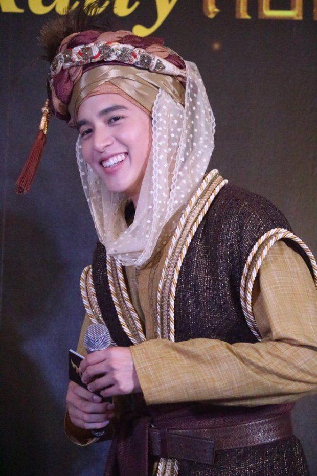 """""""Hoàng tử nụ cười Thái Lan"""" James Jirayu: Nỗi khiếp sợ của bạn diễn nữ (16)"""