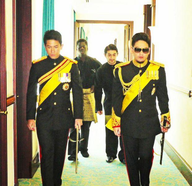 HOT: Hoàng tử Brunei follow tài khoản Instagram của Yaya Urassaya (11)