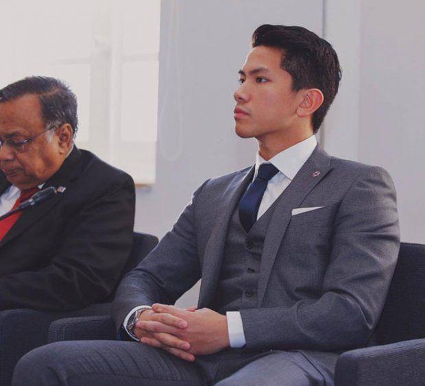 HOT: Hoàng tử Brunei follow tài khoản Instagram của Yaya Urassaya (18)