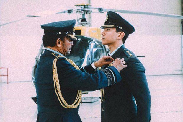 HOT: Hoàng tử Brunei follow tài khoản Instagram của Yaya Urassaya (23)