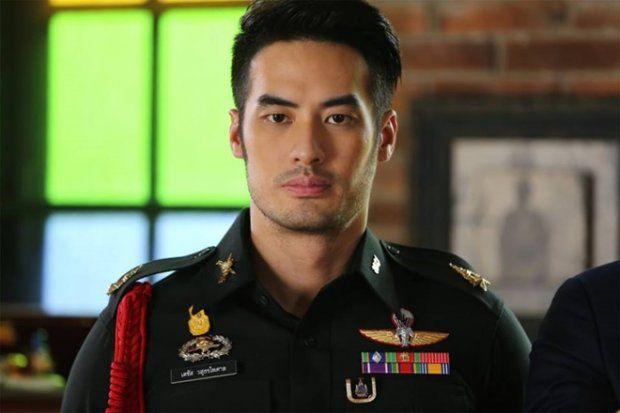"""Phim Matupoom Haeng Huajai bị tố đạo nhái """"Hậu duệ mặt trời"""" (3)"""