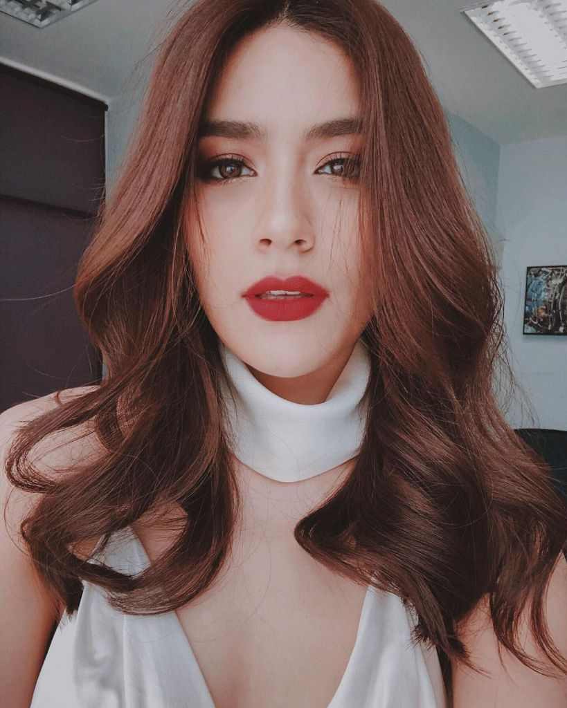 """Top 3 nữ diễn viên nổi tiếng Thái Lan có Follower """"khủng"""" trên Instagram (11)"""