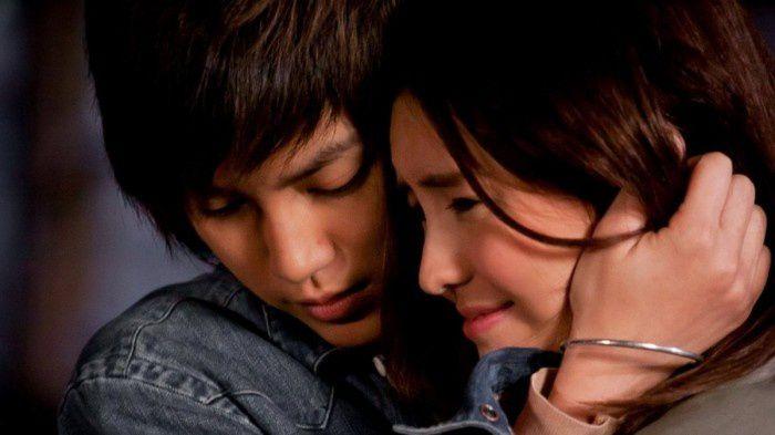 Top 5 bộ phim les (phim đồng tình nữ) Thái Lan hay nhất (3)