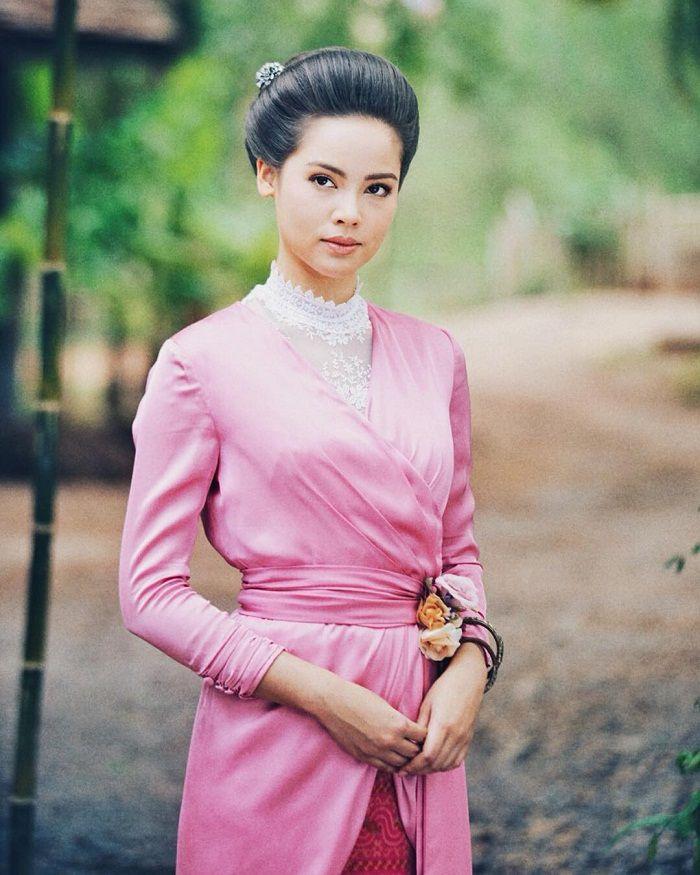 Tìm hiểu nội dung & dàn diễn viên phim Hương hoa thương nhớ Thái Lan (1)