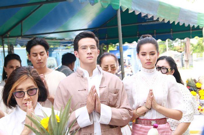 Tìm hiểu nội dung & dàn diễn viên phim Hương hoa thương nhớ Thái Lan (6)