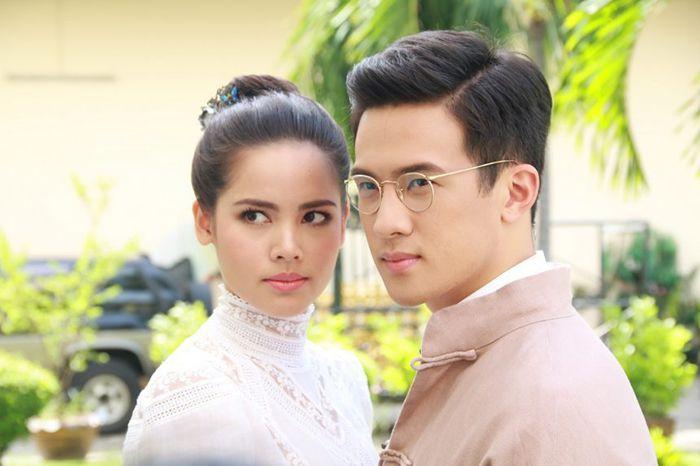 Tìm hiểu nội dung & dàn diễn viên phim Hương hoa thương nhớ Thái Lan (7)