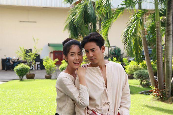 Tìm hiểu nội dung & dàn diễn viên phim Hương hoa thương nhớ Thái Lan (8)
