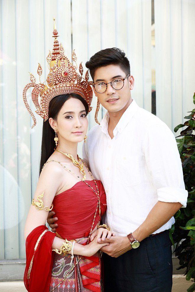 Tò mò về vai diễn của Ken Phupoom & Taew Natapohn trong Nữ thần rắn 2 (3)