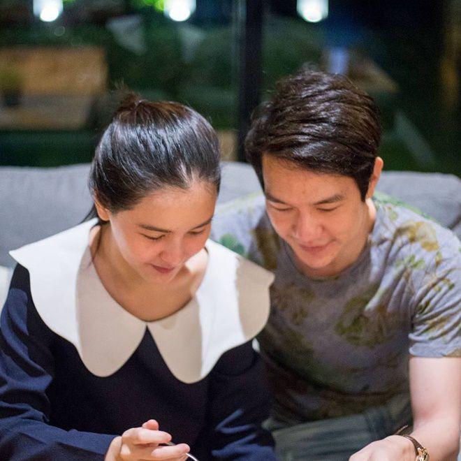 Aom Sushar hạnh phúc kỷ niệm tình yêu bên bạn trai doanh nhân (3)