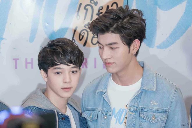 """Dàn diễn viên """"2 Moons The Series"""" khóc và chia tay fan tại fanmeeting (2)"""