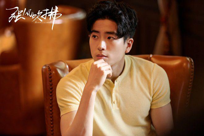 """Nonkul Chanon đóng phim """"Gió lớn thoáng qua"""" cùng Hình Chiêu Lâm (11)"""