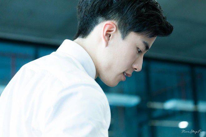 """Nonkul Chanon đóng phim """"Gió lớn thoáng qua"""" cùng Hình Chiêu Lâm (3)"""