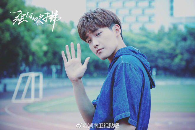 """Nonkul Chanon đóng phim """"Gió lớn thoáng qua"""" cùng Hình Chiêu Lâm (4)"""