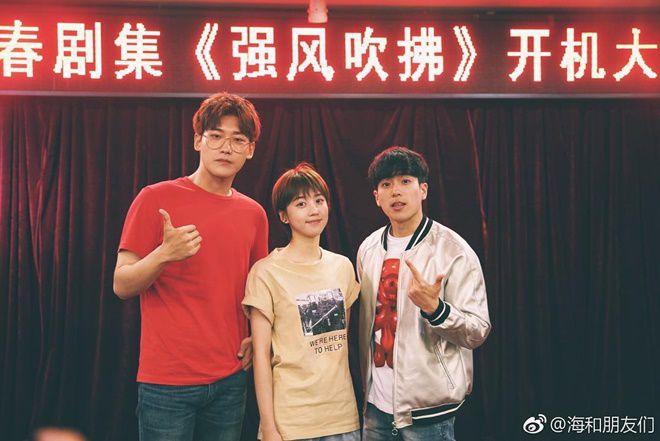 """Nonkul Chanon đóng phim """"Gió lớn thoáng qua"""" cùng Hình Chiêu Lâm (8)"""