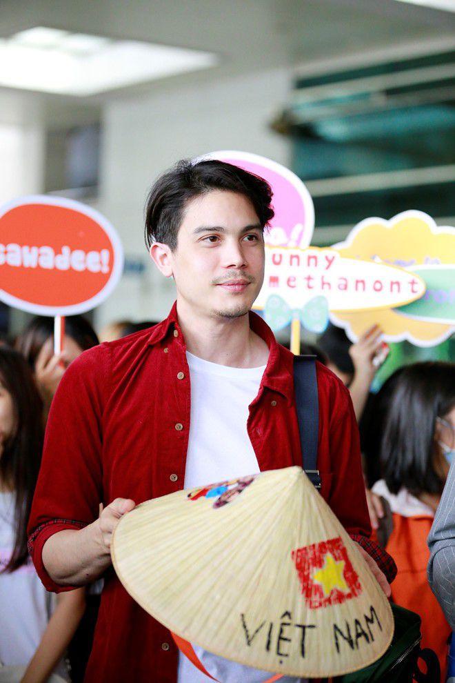 """8 nam diễn viên điển trai của Thái Lan vẫn là """"chậu chưa có bông"""" (11)"""