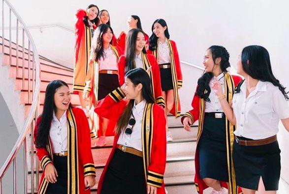 Ngắm ảnh tốt nghiệp của những nam thần, nữ thần Viện Hoàng gia Thái Lan (13)