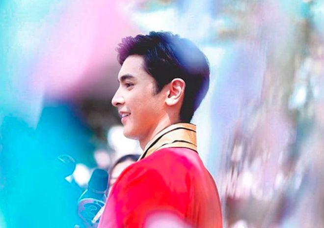 Ngắm ảnh tốt nghiệp của những nam thần, nữ thần Viện Hoàng gia Thái Lan (2)