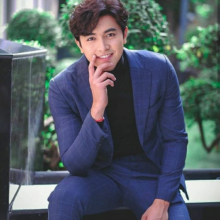 Top 3 nam diễn viên điển trai, tài năng mới nổi của Thái Lan 2018 (5)