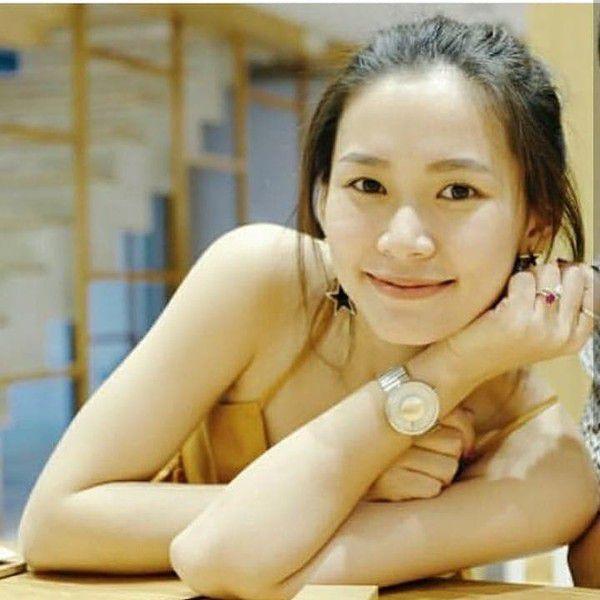 """Fan """"hoàng tử nụ cười Thái Lan"""" tìm ra danh tính bạn gái của James Ji (6)"""