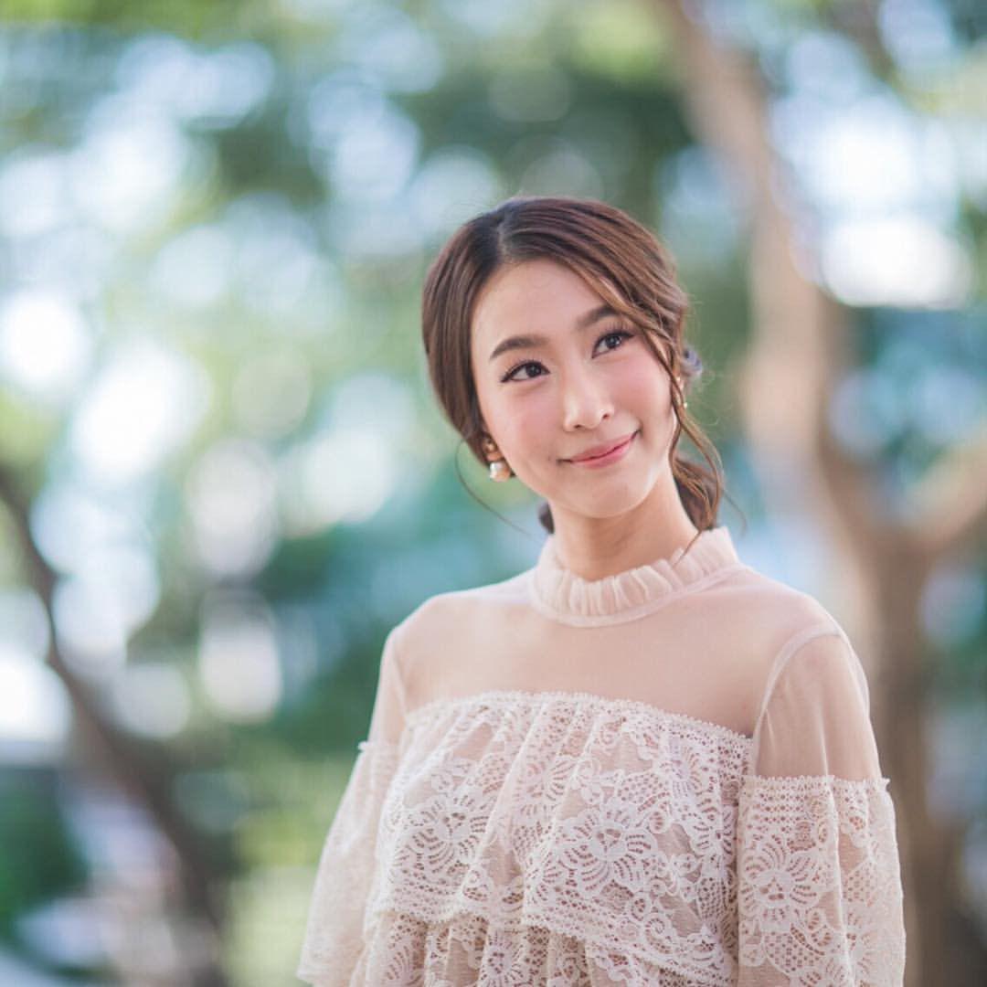 Đây là 7 sao Thái nổi tiếng siêu giỏi ngoại ngữ khiến fan choáng váng (14)