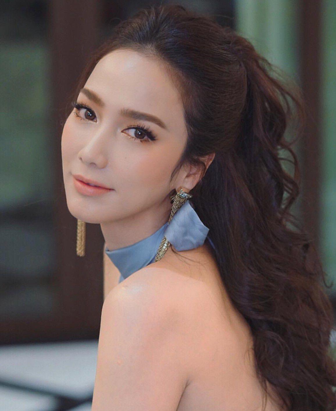 """Loạt mỹ nhân U40 đình đám showbiz Thái chưa chịu """"yên bề gia thất"""" (19)"""