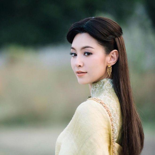 Top 10 nữ diễn viên Thái Lan nổi tiếng nhất xứ Chùa Vàng 2018 (1)