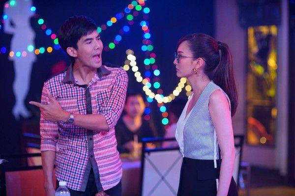 Yêu quá trời phim Thái Lan tập 1: Nụ hôn bất ngờ của cặp oan gia ngõ hẹp (10)