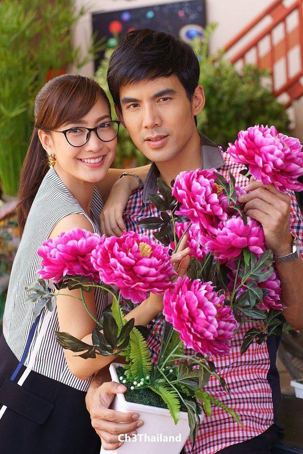 Yêu quá trời phim Thái Lan tập 1: Nụ hôn bất ngờ của cặp oan gia ngõ hẹp (2)