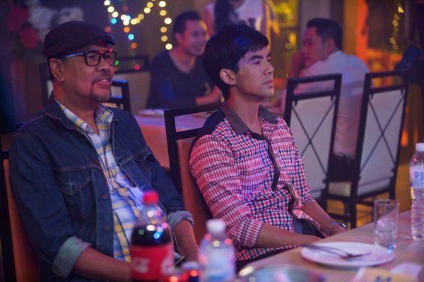 Yêu quá trời phim Thái Lan tập 1: Nụ hôn bất ngờ của cặp oan gia ngõ hẹp (7)