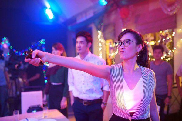 Yêu quá trời phim Thái Lan tập 1: Nụ hôn bất ngờ của cặp oan gia ngõ hẹp (8)