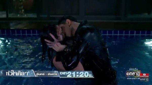 Con tim sắt đá: Điểm lại 3 nụ hôn khiến mọt phát cuồng của Sila và Mintra (5)