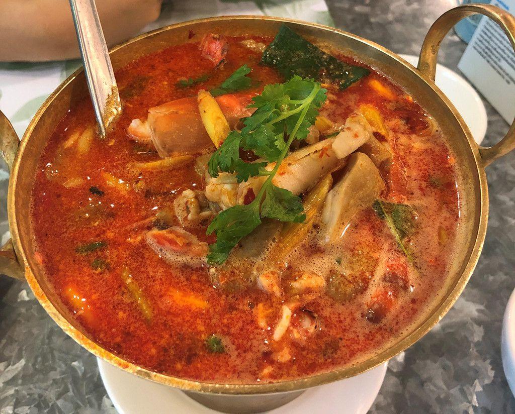 """Đi du lịch Thái nên ăn gì? Cùng Bà Chúa Vỉa Hè """"chén sạch Thái Lan"""" thôi nào! (16)"""