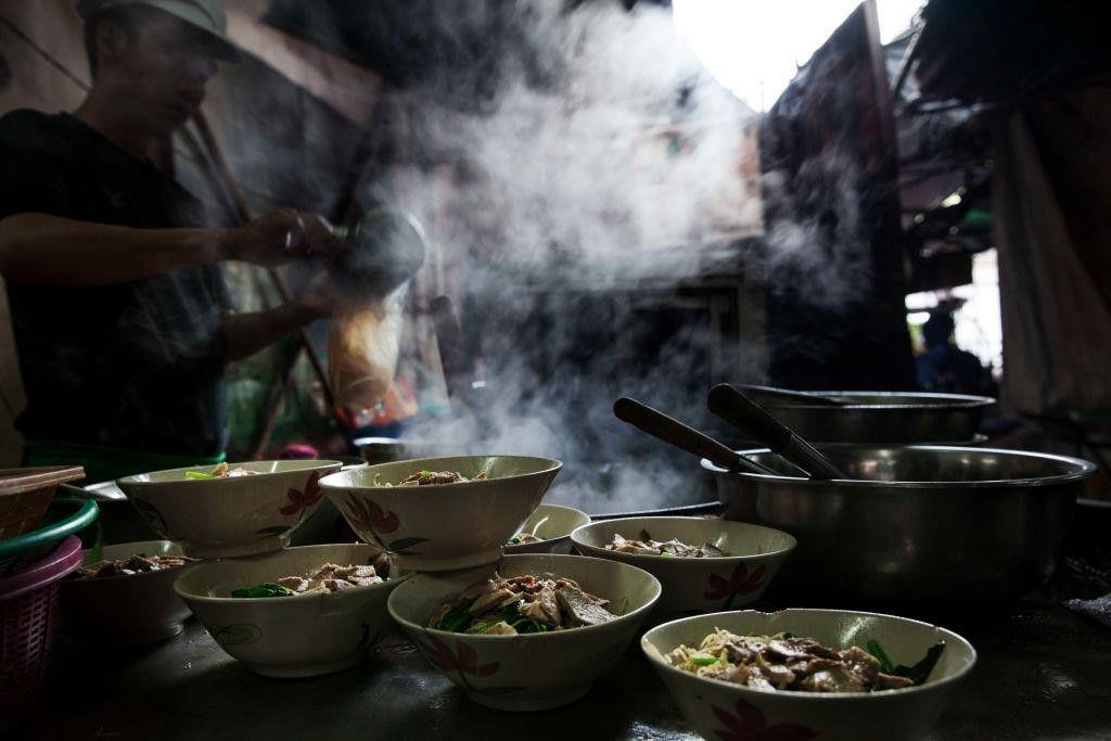 """Đi du lịch Thái nên ăn gì? Cùng Bà Chúa Vỉa Hè """"chén sạch Thái Lan"""" thôi nào! (2)"""