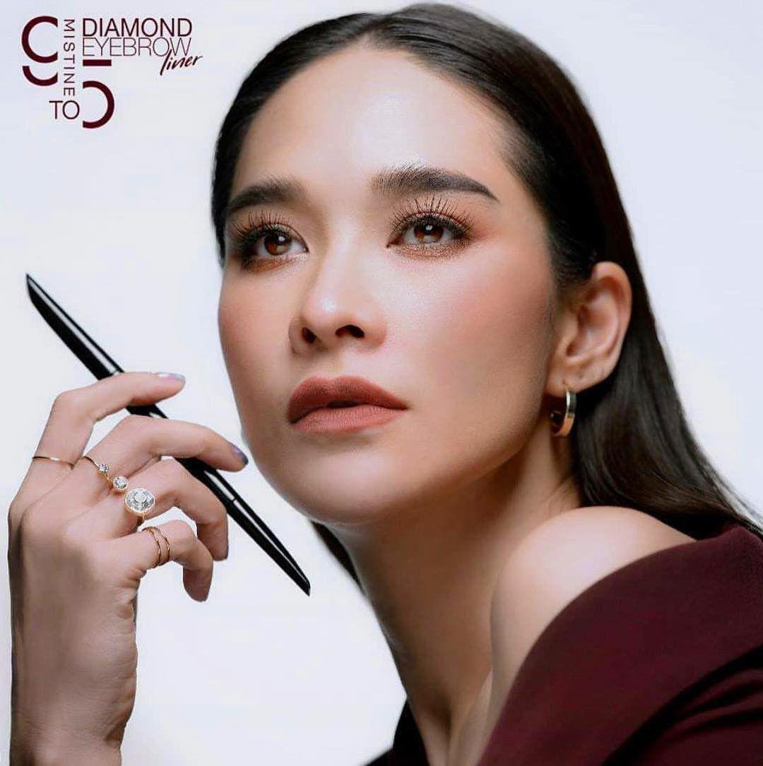 10 mỹ nhân Thái Lan sở hữu khung xương mặt ấn tượng và nổi bật nhất (12)