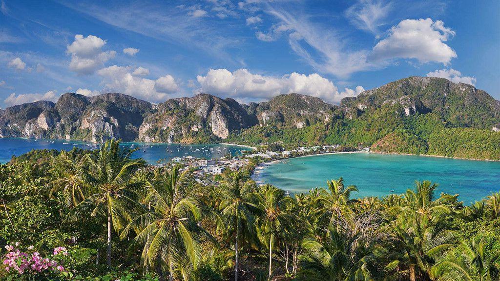 Khám phá đảo Koh Phi Phi (Thái Lan) & trải nghiệm tour bơi cùng cá mập (1)