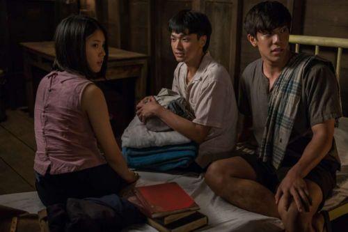 Krasue: Nụ Hôn Ma Quái - Phim kinh dị Thái Lan đậm chất ngôn tình (6)