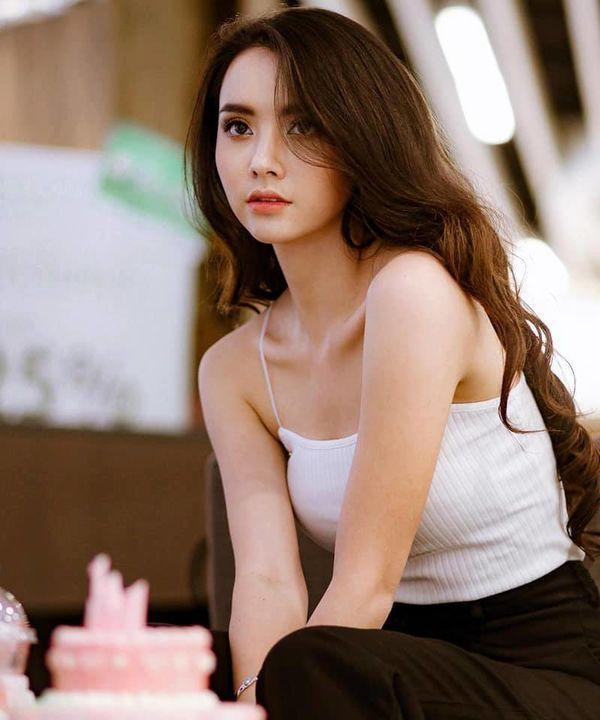 Nam thần Weir Sukollawat trở lại áp đảo màn ảnh Thái 2019 với 5 bộ phim (11)