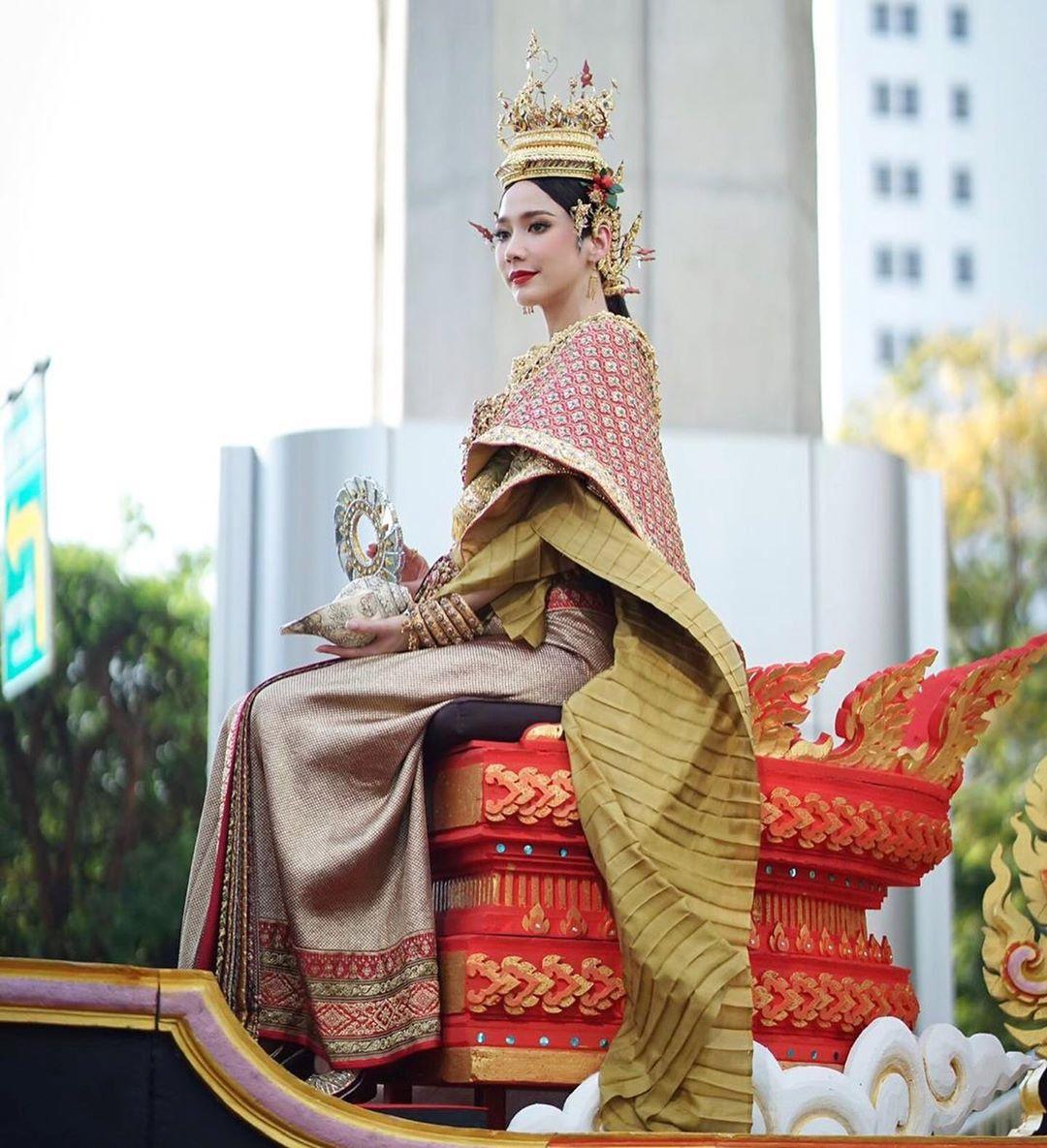 Ngắm nhăn sắc đỉnh cao của dàn mỹ nhân Tbiz khi hóa nữ thần tại Songkran 2019 (10)