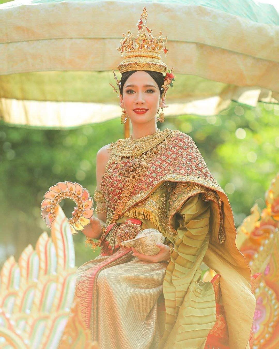 Ngắm nhăn sắc đỉnh cao của dàn mỹ nhân Tbiz khi hóa nữ thần tại Songkran 2019 (11)